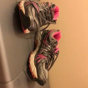 ASICS gel running shoes size 8